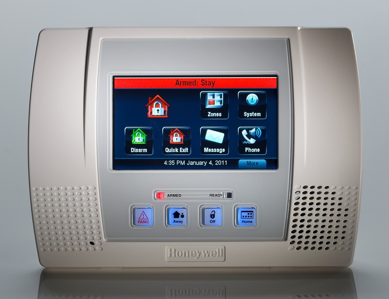 Lynx Touch Wireless Control Panel